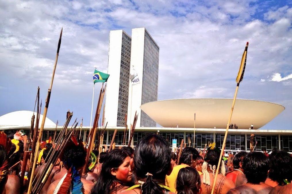 Povos indígenas na mira da ditadura e do Congresso | FSP