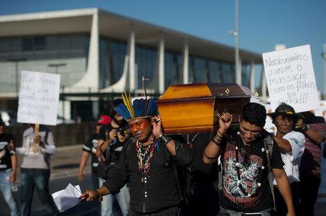 Brasil vive massacre moderno de indígenas